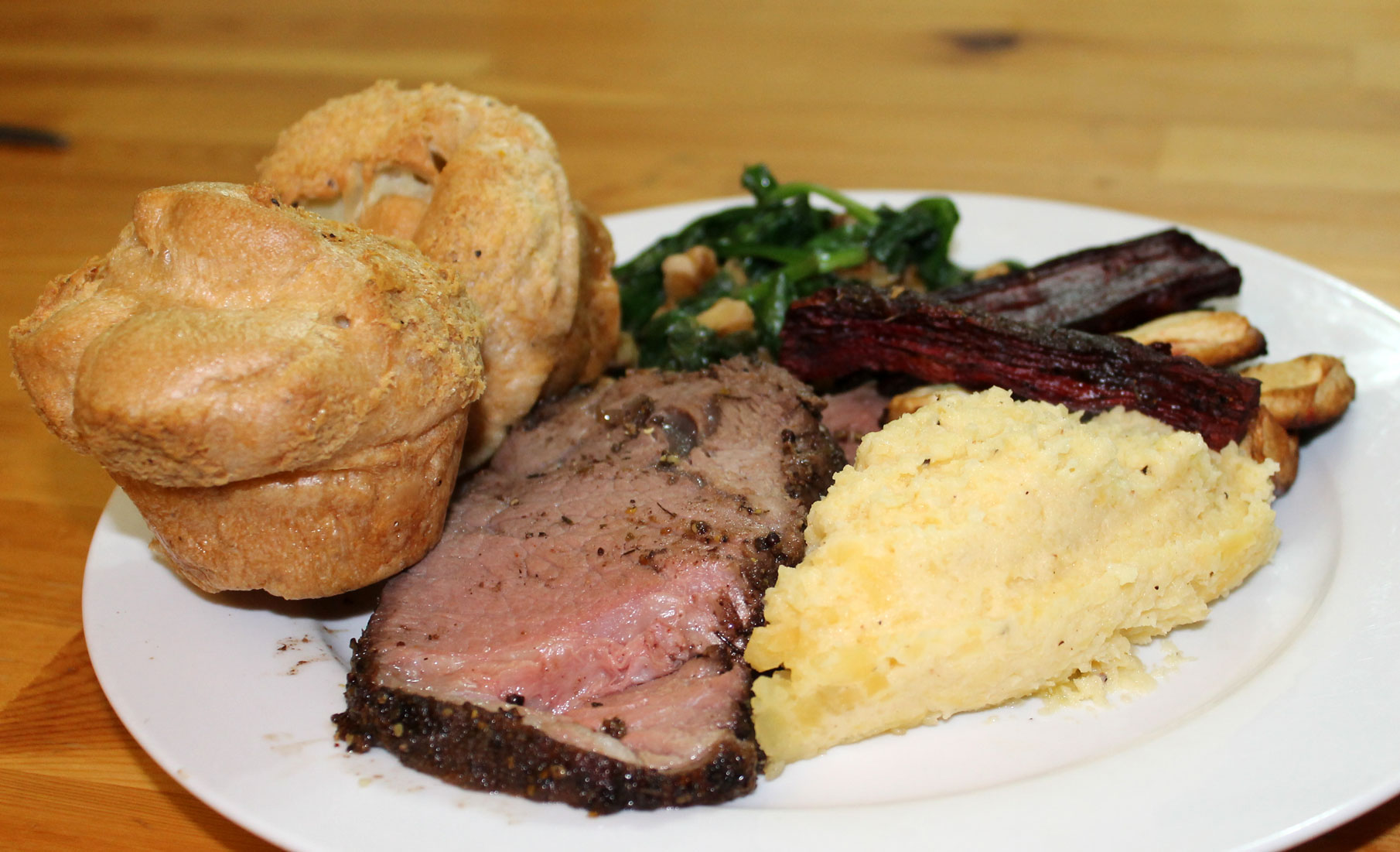 Perfect Roast Beef and Yorkshire Puddings (gluten free) | salixisme